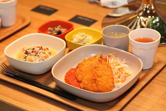The University DINING 様
